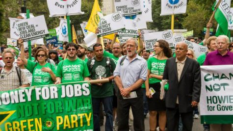 A photograph of Green Party candidate Howie Hawkins speaking at a Green Party Rally - From ProCon.org