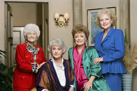 Estelle Getty, Beatrice Arthur, Rue McClanahan, and Betty White, the 4 main characters of The Golden Girls.